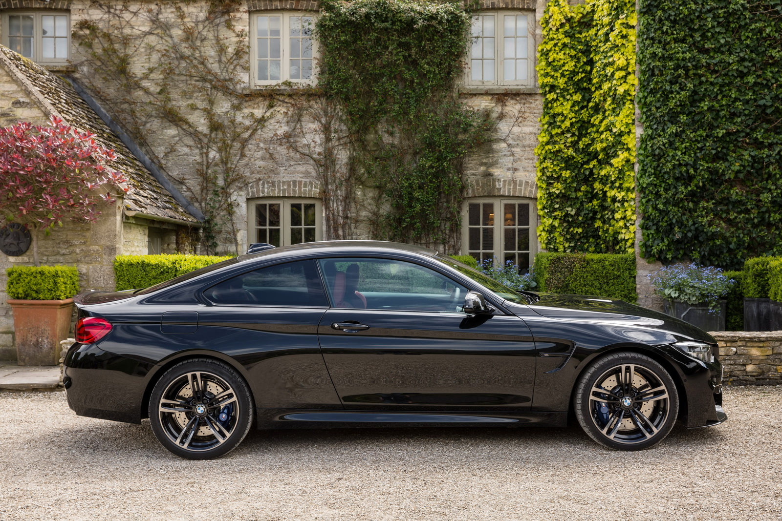 Bmw M4 Exhaust Tips >> 2018 BMW 4-Series Priced From £32,580 In The UK, M4 From £58,365 | Carscoops