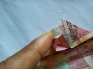 Kerajinan origami uang kertas_01