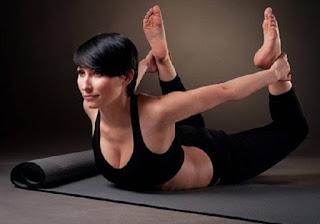 5-legkih-poz-jogi-kotorye-vernut-telu-strojnost