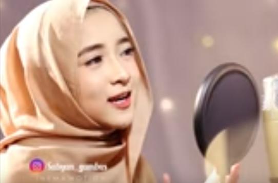 Nissa Sabyan  Ya Habibal Qolbimp3 Terbaru
