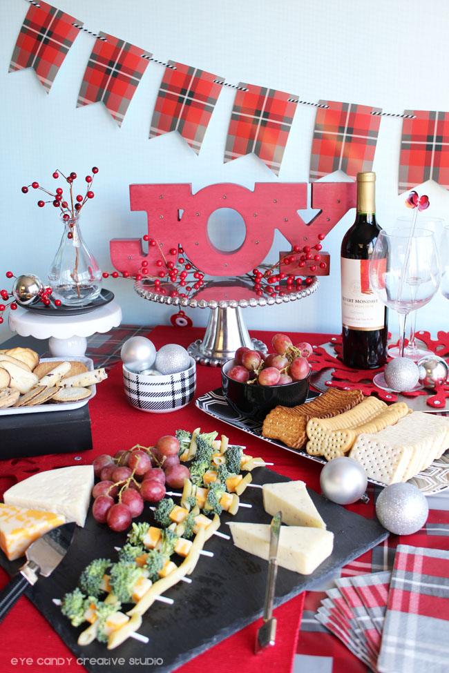 holiday entertaining ideas, cheese & crackers, cookies, table ideas