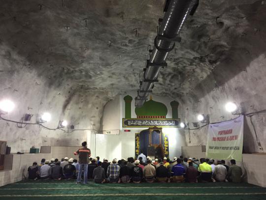 Ternyata Masjid Di kedalaman 1.760 Meter Perut Bumi Ini Ada Di Indonesia