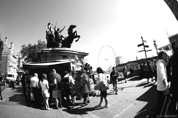 aliciasivert, Alicia Sivertsson, London, svartvitt, black and white, london eye, boudica