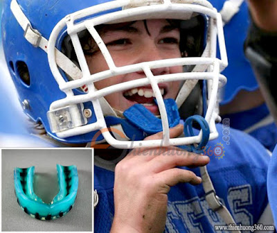 Nên trang bị dụng cụ bảo vệ răng khi tham gia các trò chơi thể thao mạnh