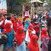 Pengukuhan Tim MANUFER di Dodu, Dae Ferra Ditandu Oleh Warga