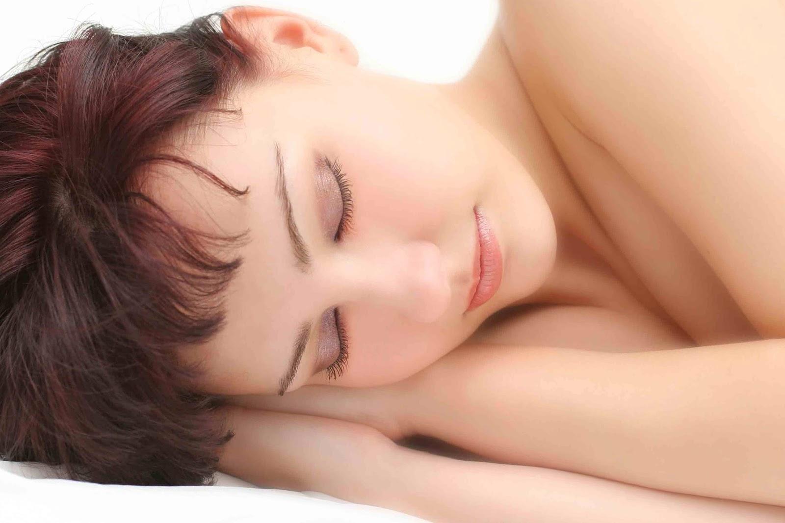 Manfaat Tidur Tanpa Bantal untuk Kesehatan