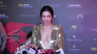Deepika Padukone Promoting   Return of Xander Cage in India in Golde Gown 84 .xyz.jpg
