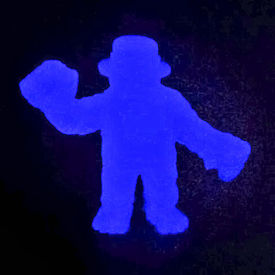 "Breaking Bad ""Final Glow in the Dark Blue"" Heisenberg M.U.S.C.L.E. Resin Mini Figure by Healeymade"