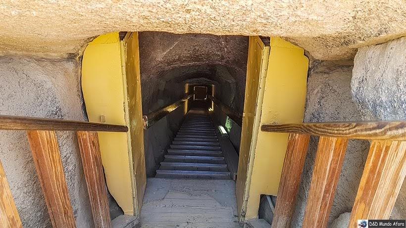 Interior da pirâmide de Miquerinos - Pirâmides do Egito: saiba como visitar