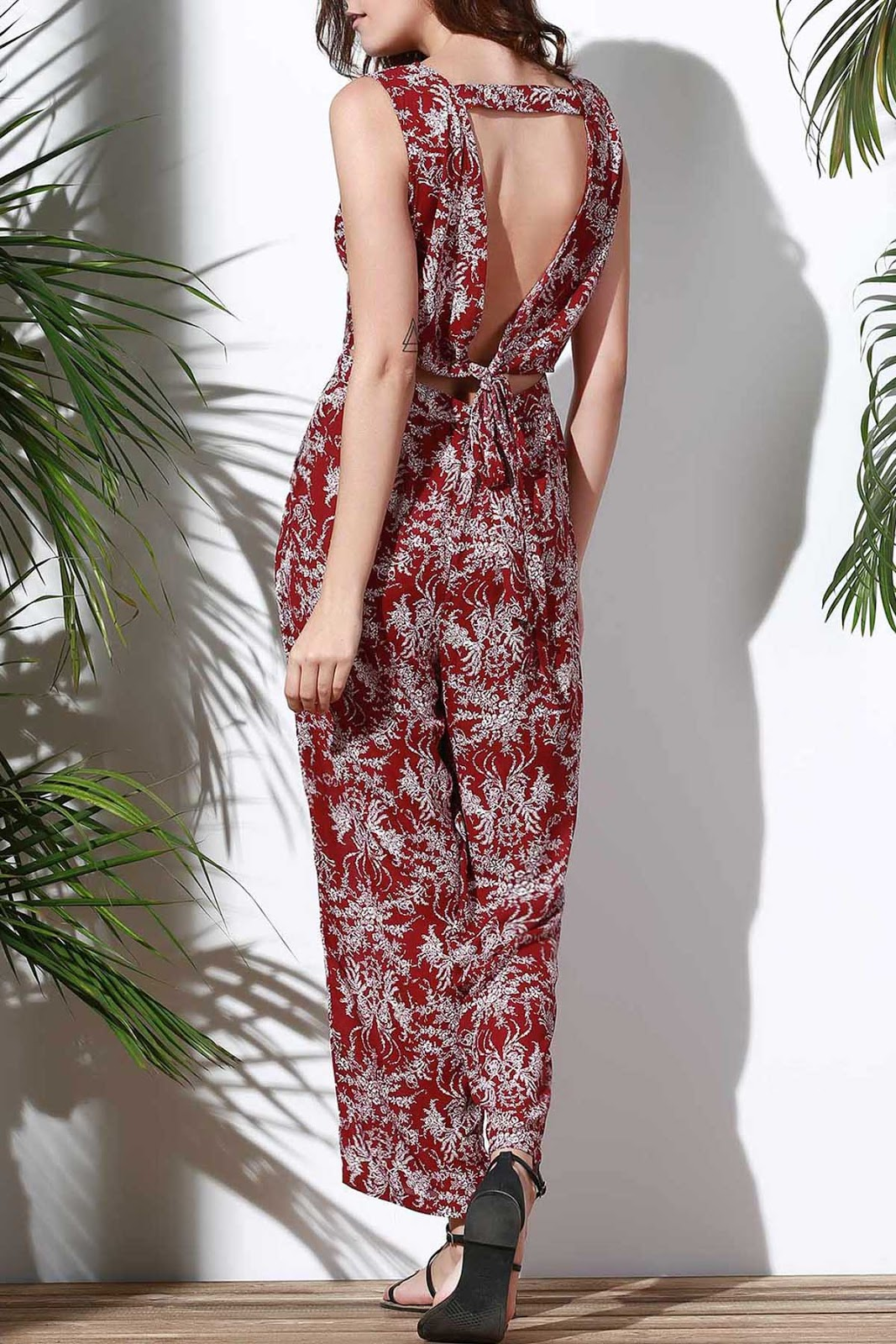 Floral V Neck Sleeveless Hollow Jumpsuit - Red