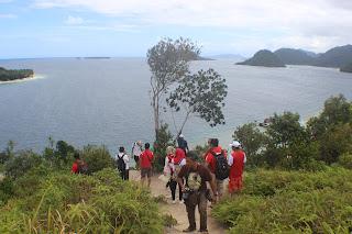 Treking Puncak Pulau Pemutusan