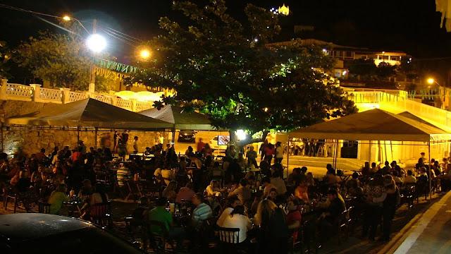 www.canionsxingo.com.br - Cachaçaria, Pizzaria e Sushi Bar Altemar Dutra é o ponto de encontro dos turistas no centro histórico de Piranhas em Alagoas