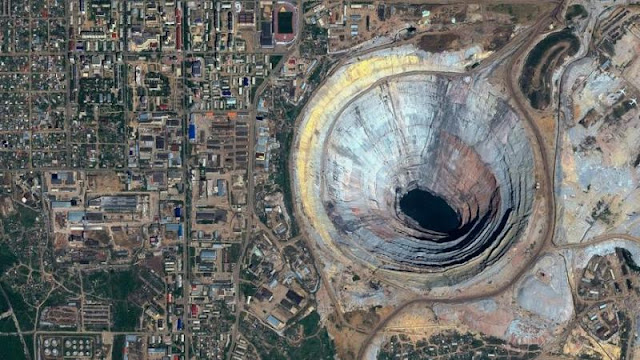 omg-facts-mirny-diamond-mine