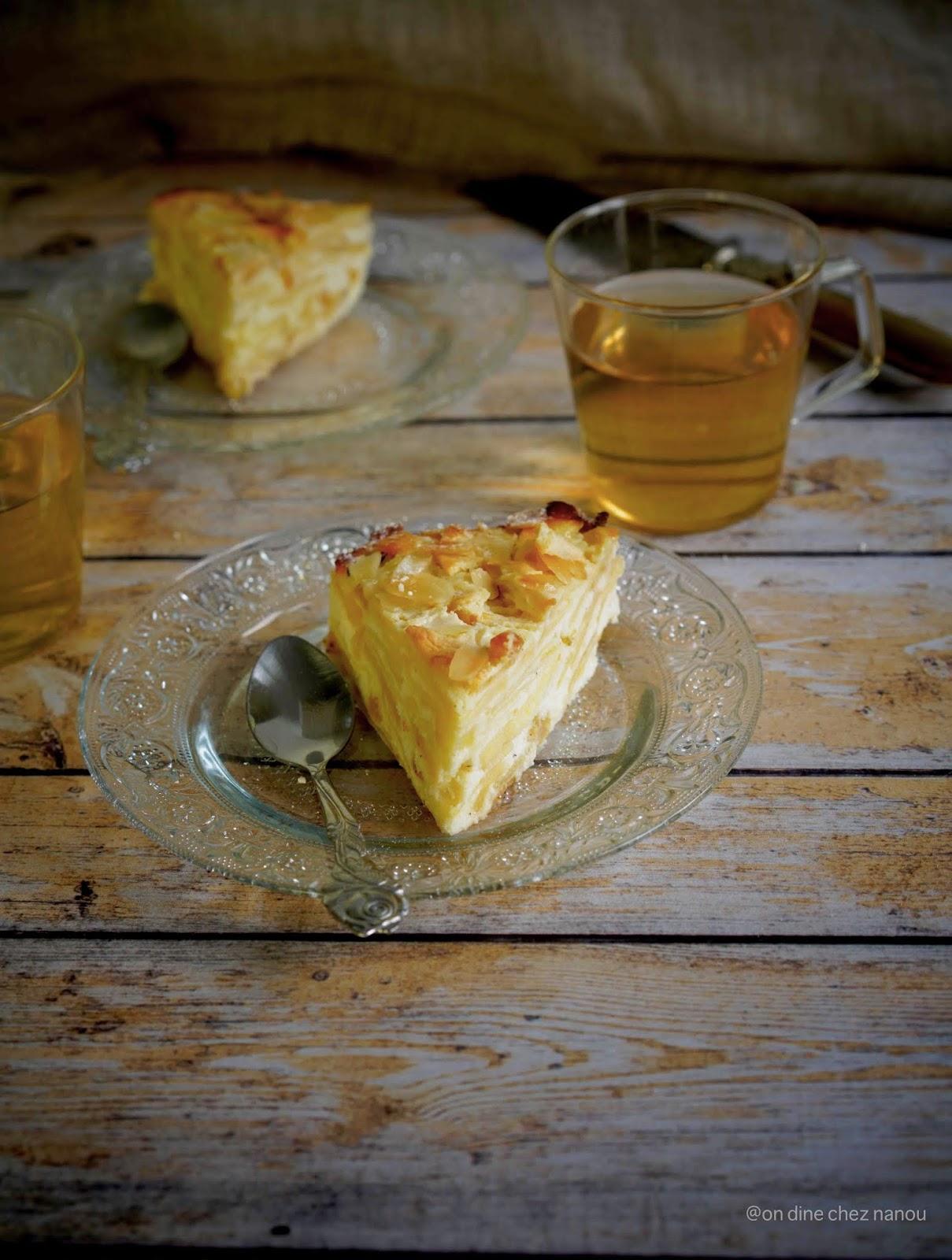 gâteau facile à faire , aux fruits , pommes , raisins secs , goûter , frais , ricotta