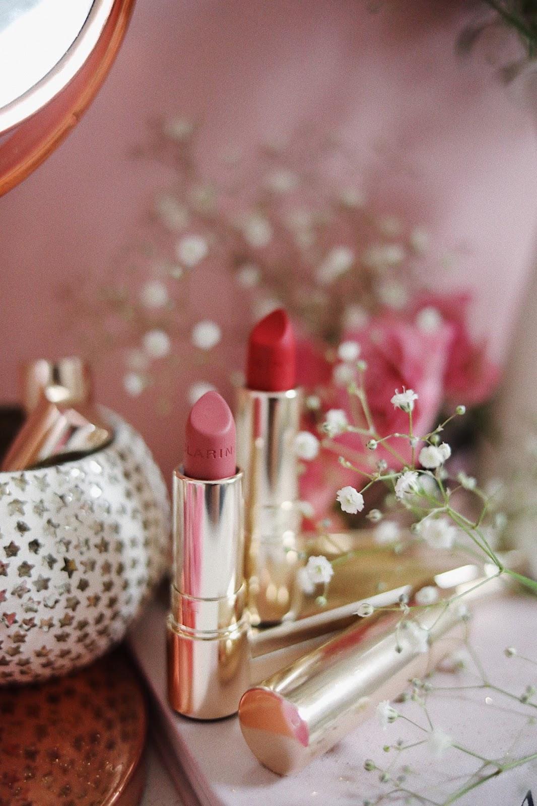 CLARINS , CLARINSFR , CLARINS FRANCE , CLARINS ACADEMIE , PRINTEMPS 2018 , JOLI ROUGE VELVET,WOODBERRY , DEPP RED, 759V , 754V, rose mademoiselle , rosemademoiselle , revue , avis , Swatch , Palette Lovely Rose , 07 Lovely Rose , Graphik Ink Liner , Blush Prodige ,