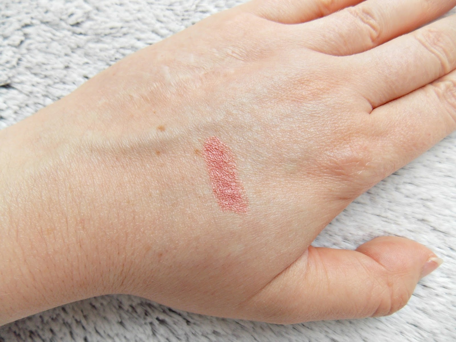 PHB Lipstick Swatch