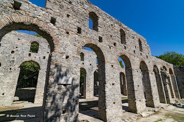 Basílica de Butrint - Albania por El Guisante Verde Project