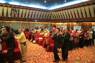 trainer motivasi, trainer guru, trainer kepala sekolah, training kepala sekolah, trainer kemendikbud, motivator kemendikbud, motivator indonesia,