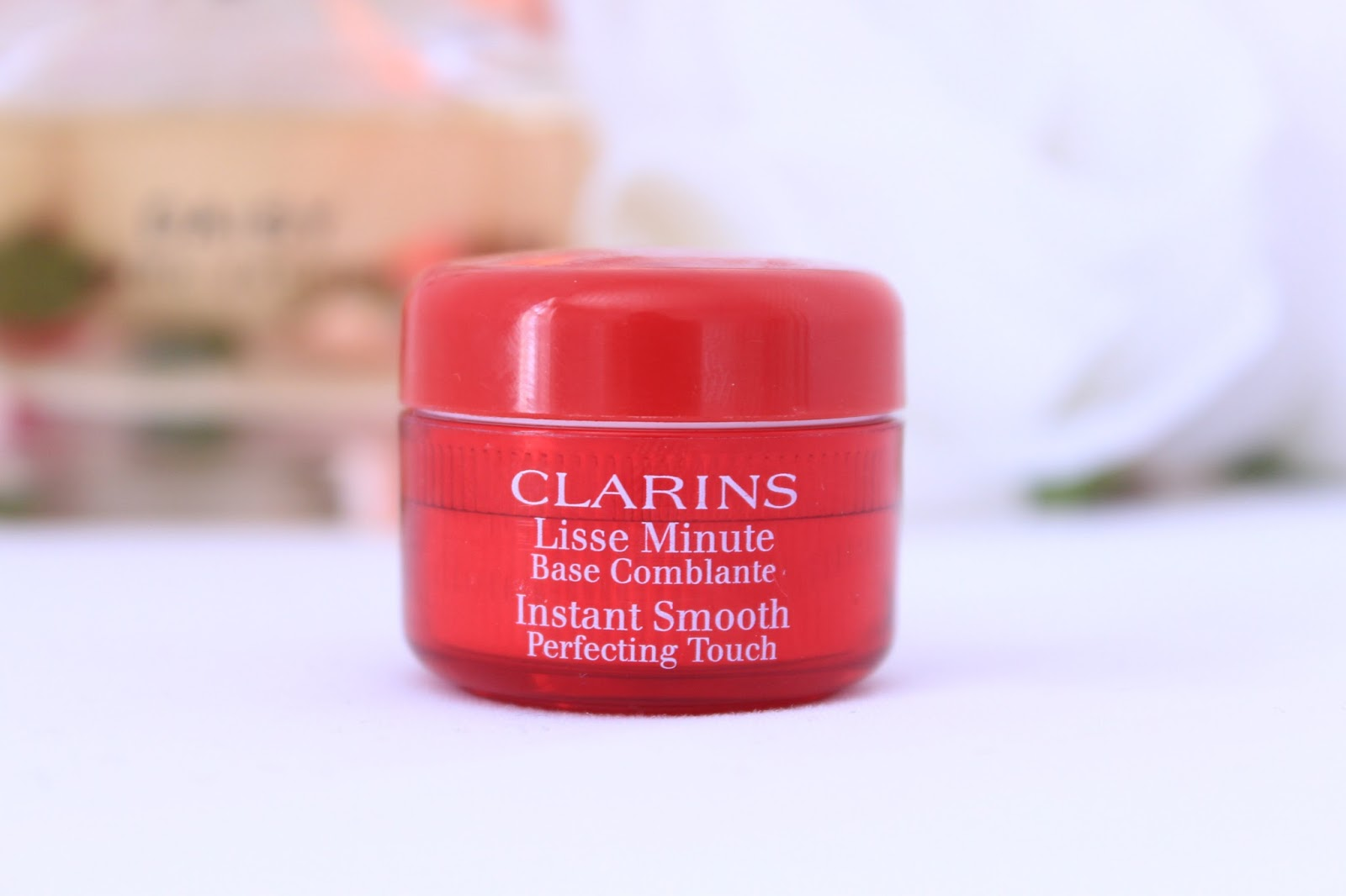 Instant Smooth Perfecting Touch by Clarins #17