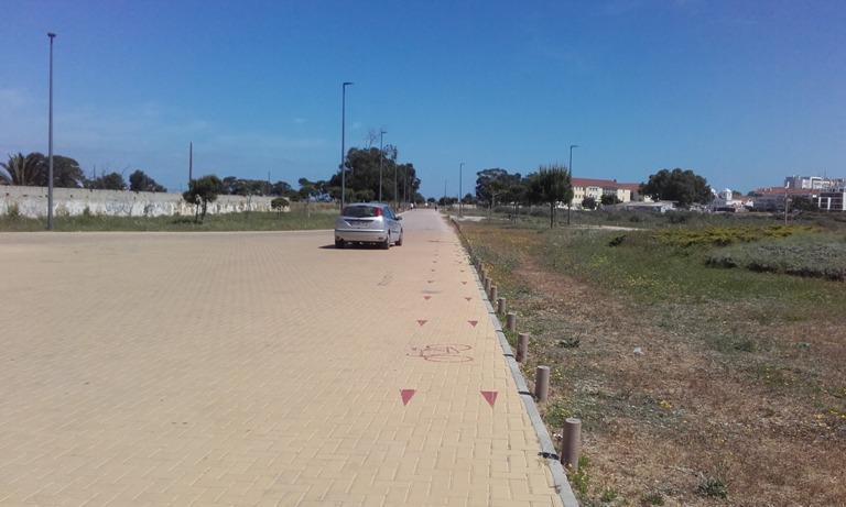 Parque de estacionamento Alburrica