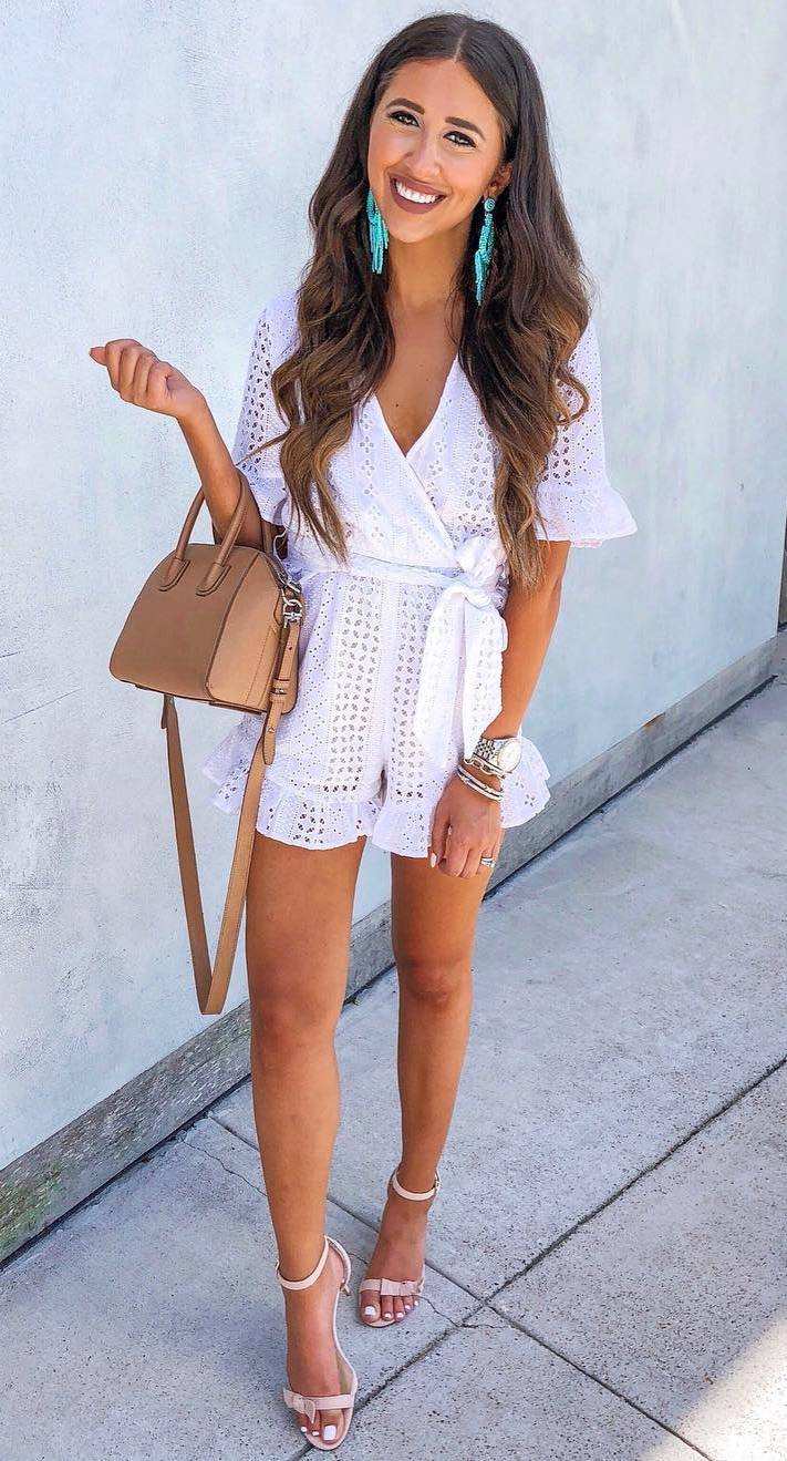 how to style a white romper : nude heels and bag