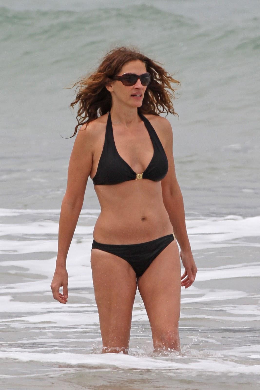 Julia Roberts Bikini Pictures 66