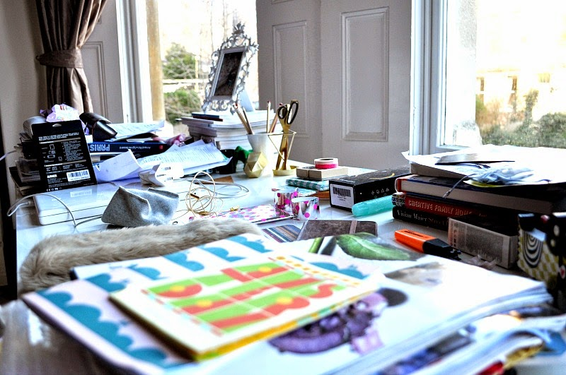 Messy working desk Decluttering Tips