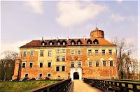 Zamek od frontu