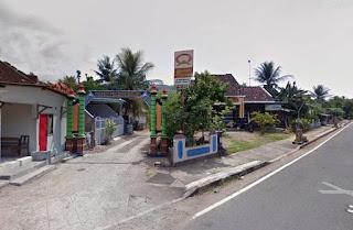 Gapura masuk Kasun Pucung Kulon Hadiwarno