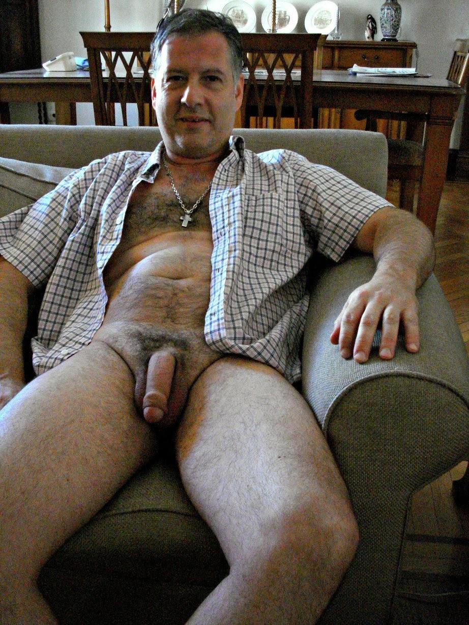 куча ненавистников, личные фотки голых мужиков бывает встречаются такие