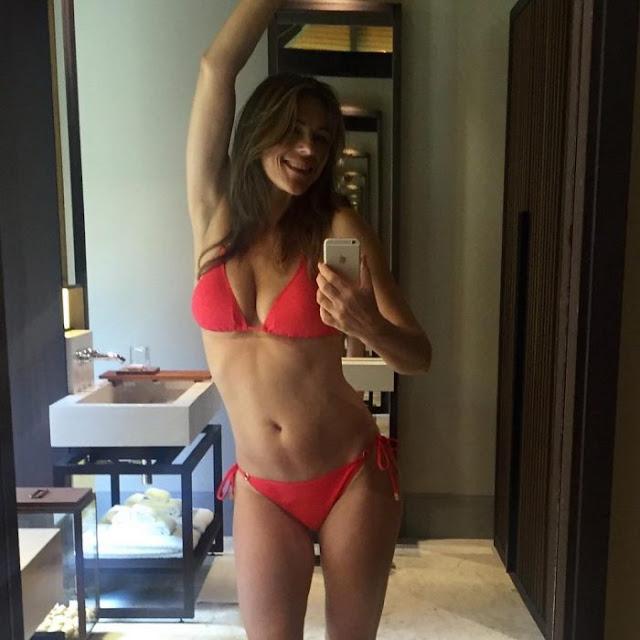 Liz Hurley dejó una foto ardiente en un bikini muy sexi