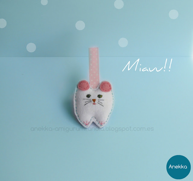 white cat felt brooch