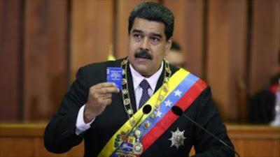 Maduro llama a referendo consultivo para nueva Constitución