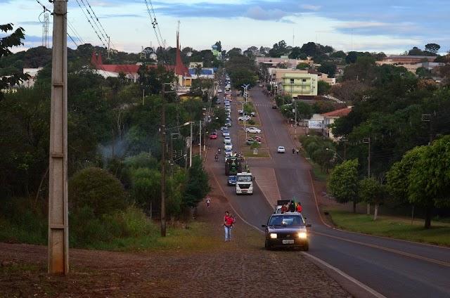 Carreata em Roncador em apoio a greve dos caminhoneiros