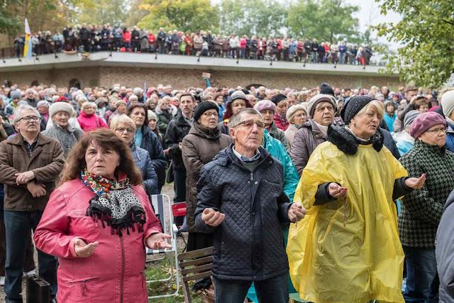 'Rosário nas Fronteiras' quem não podia ir até a fronteira tinha opções de reunião