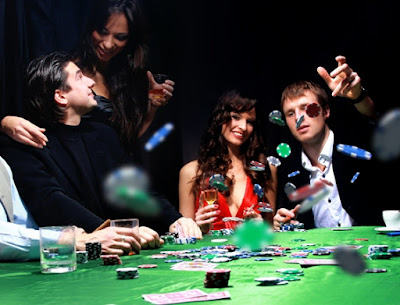 cara bermain di sebuah turnamen poker