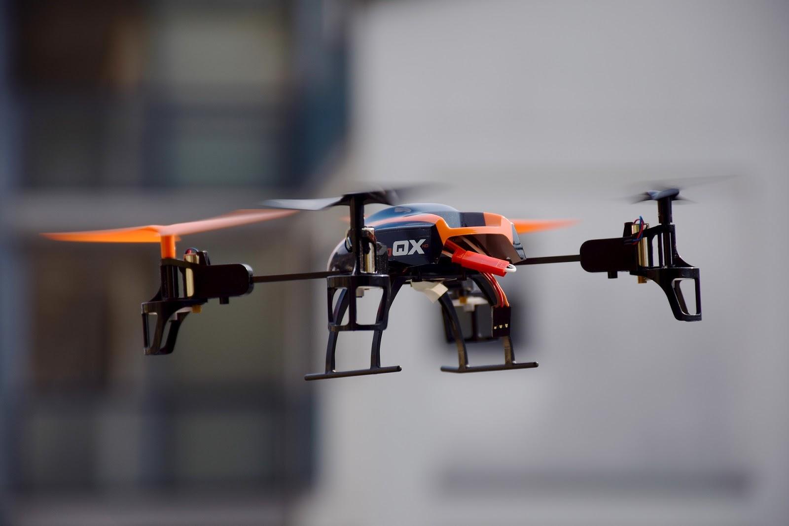 Drony w PR