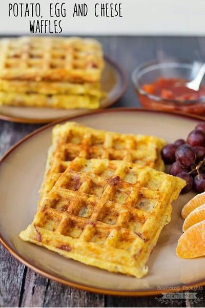 25. Waffle kentang telur dan keju