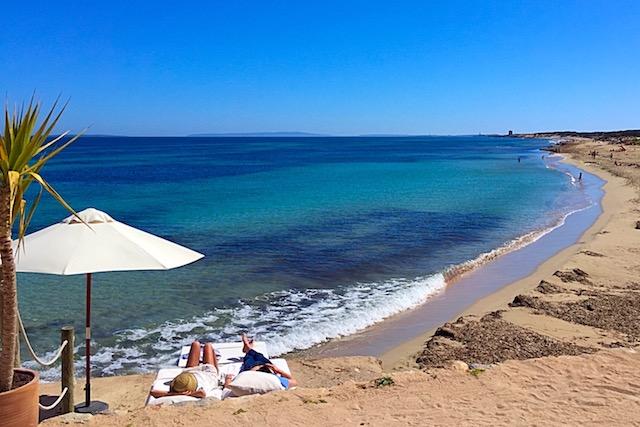 Cala Es Cavallet em Ibiza