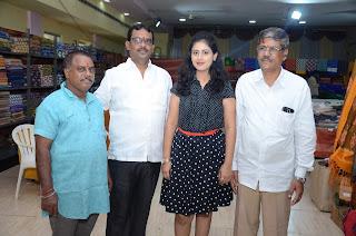 Actress Sapna Prakash Launches- Pochampally IKAT Art Mela @ Kakinada
