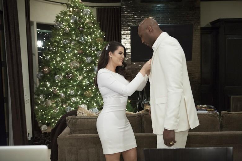 Behind the Scenes of Kardashian Family 2012 Christmas Card photo Shoot    Kardashian Family 2012