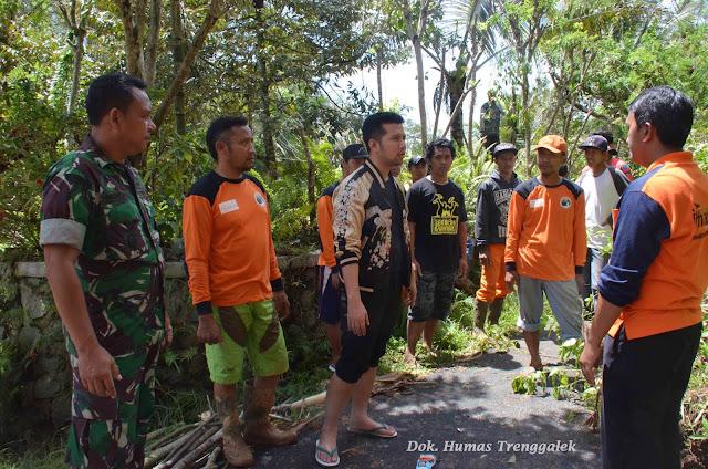 Pengerukan Sungai Hingga Berkoordinasi Balai Jalan Nasional, Langkah Yang Diambil Emil Dardak Untuk Atasi Genangan Air di Prigi