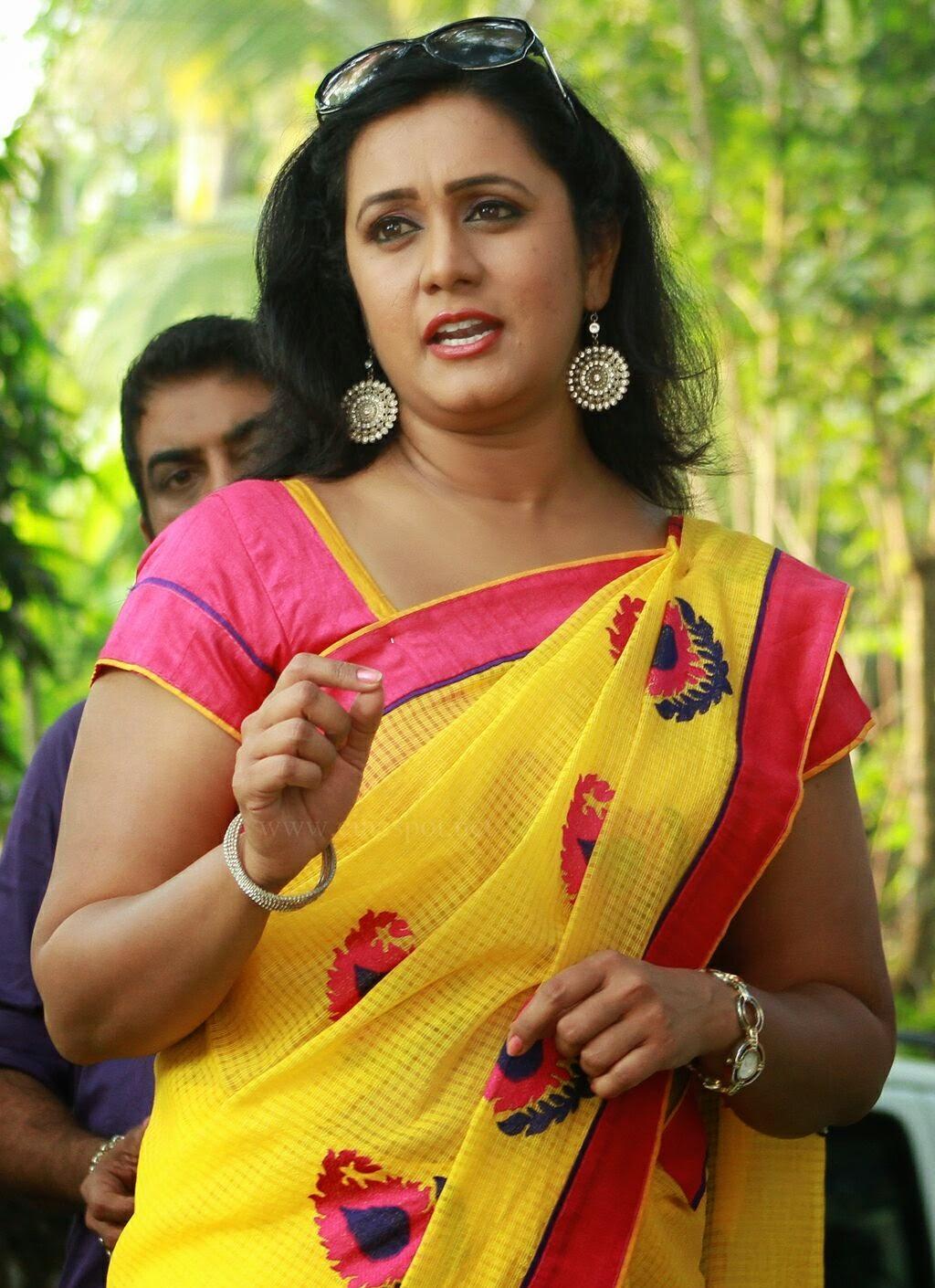 Mallu Serial Actress Photo Gallery