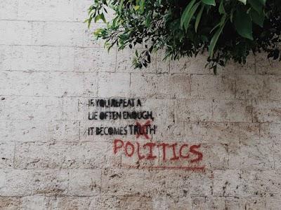 #829 Política, poder y sexo