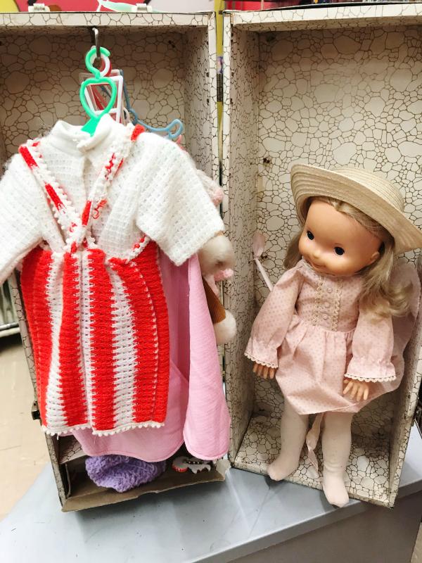 vintage christmas, vintage ornaments, antique mall, antiquing, north carolina blogger
