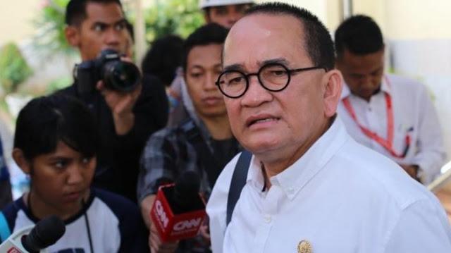 Ruhut Sitompul Sindir (Para Mantan) yang Kritik Presiden Jokowi