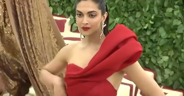 Deepika Padukone Hot Show at Met Gala