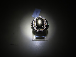 batu black safir ster