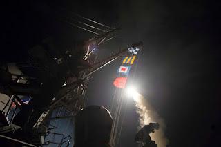 Begini Suasana Ketika Rudal AS Hantam Pangkalan Udara Suriah