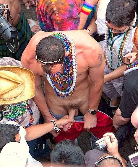 Hommes nus au mardi gras